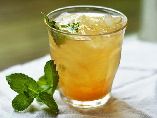 תה ג'ינג'ר (זנגביל) – לימון צונן