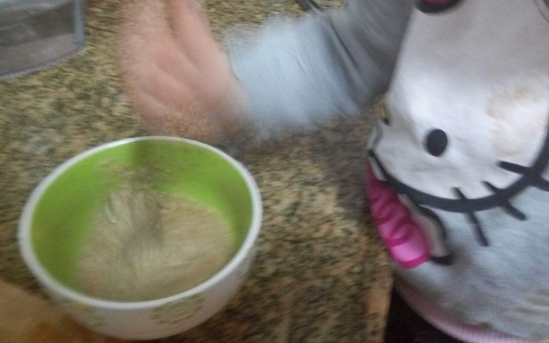 הלו קיטי מכינה טחינה